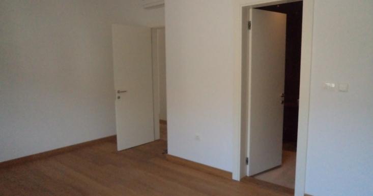 1. soba pogled na kupatilo