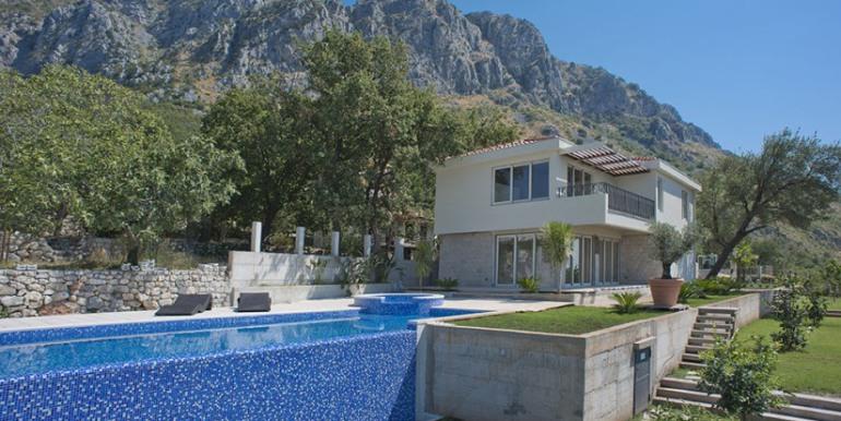 купить в дом Черногории