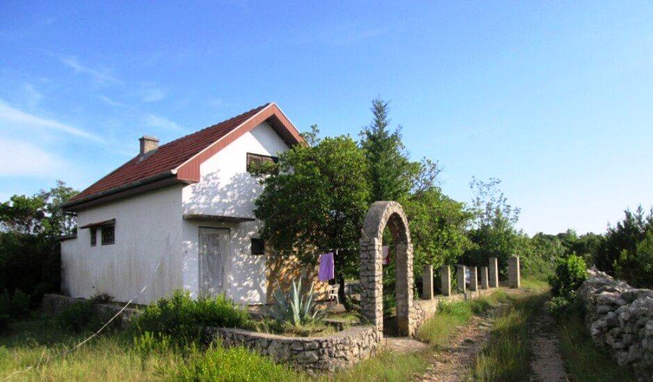 Недорогой дом в поселке Мркови