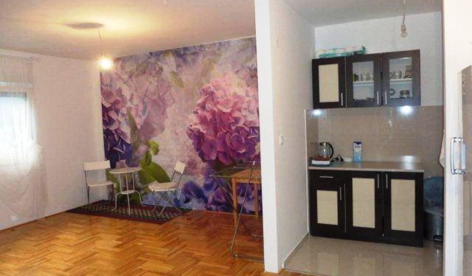 Новая квартира с одной спальней в Будве