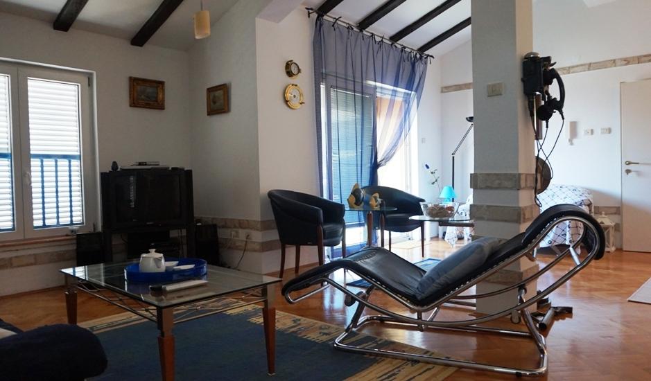Роскошная квартира с видом на море в Будве