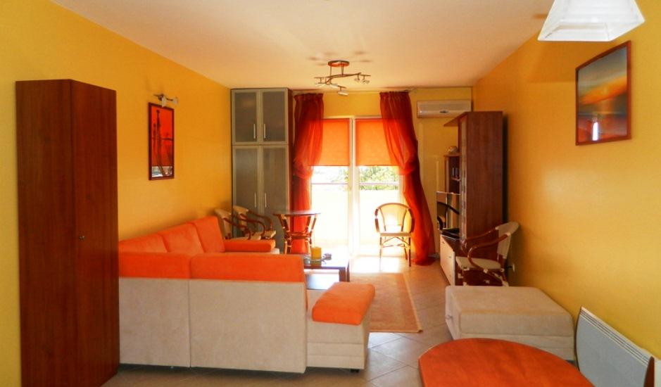 Недорогая уютная квартира в Будве
