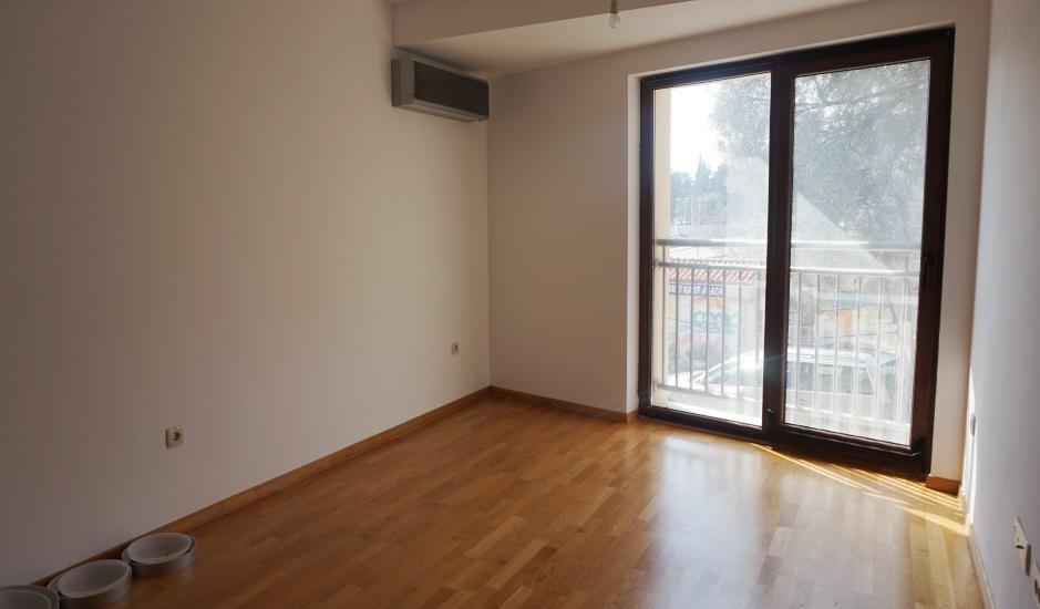 Небольшая квартира в Бечичи близко к морю