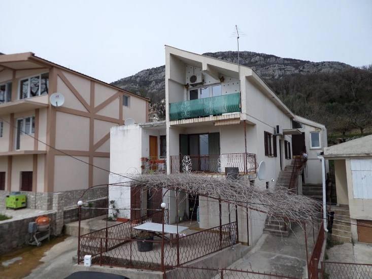3-этажный Дом с видом на море в г. Бар