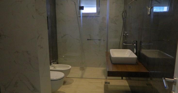 Kupatilo iz hodnika