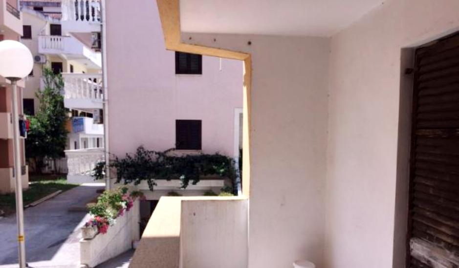 Квартира в Будве на первом этаже