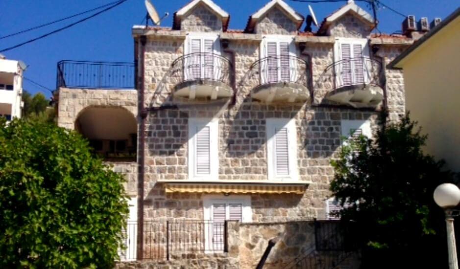 Старинная каменная вилла в Бигово