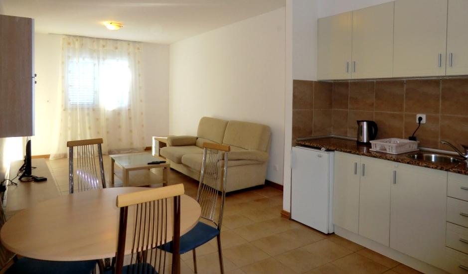 Квартира в жилом комплексе с бассейном