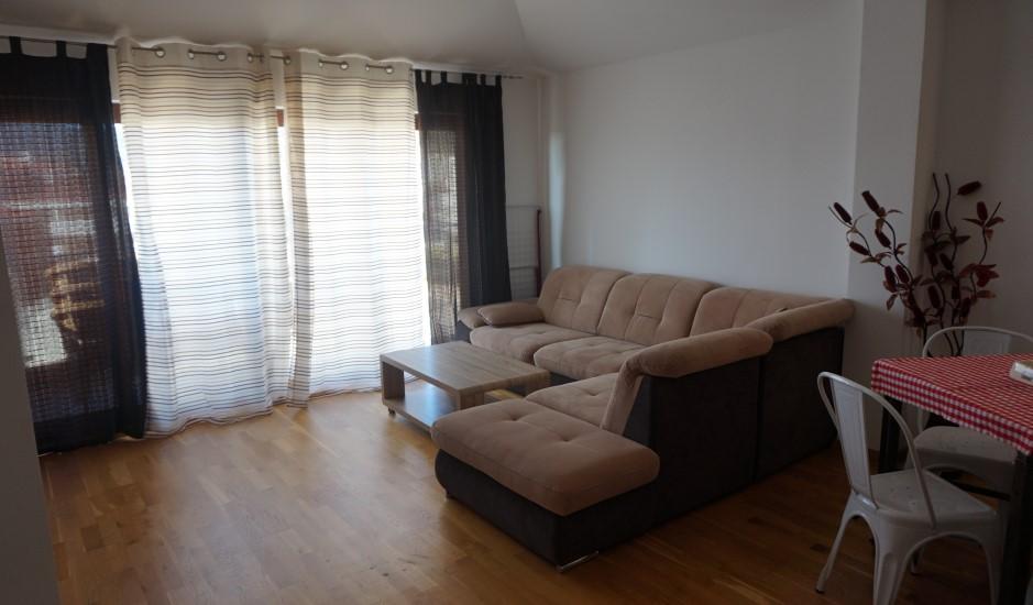 Уютная трехкомнатная квартира в Будве