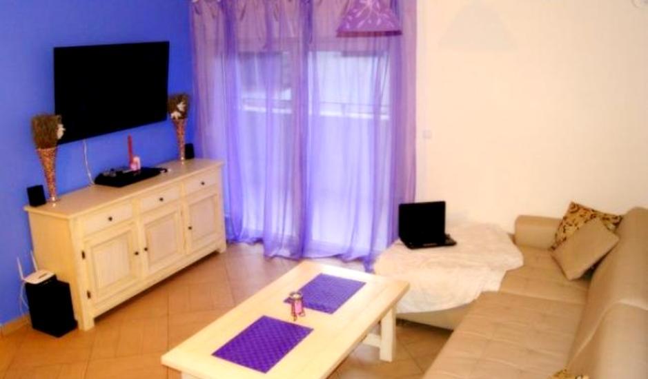 Двухкомнатная меблированная квартира в Будве