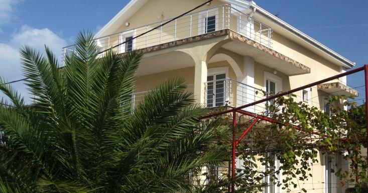 dom-v-krimovice-budva (1)