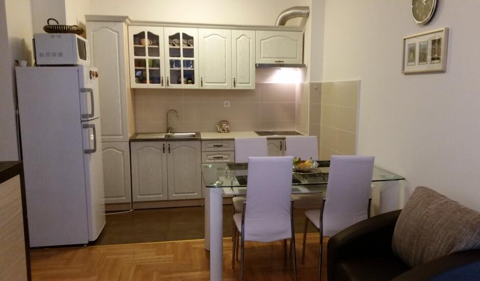 Квартира с мебелью в Бечичи