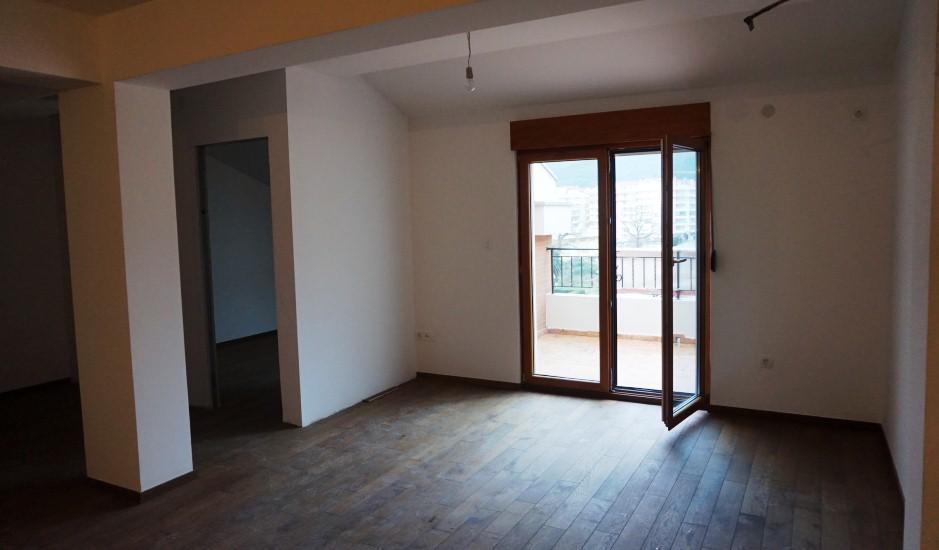Новая двухкомнатная квартира на последнем этаже