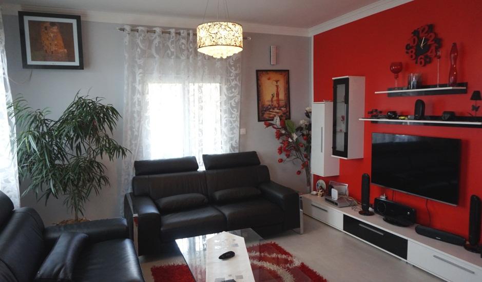 Сезонная аренда: квартиры с 3 спальнями в Баре
