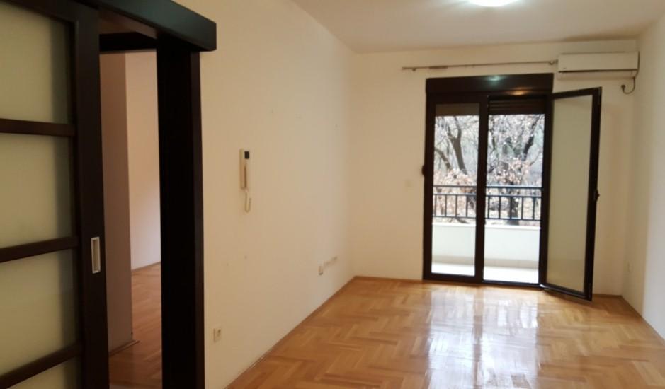 Квартира без мебели в Подмайне, Будва
