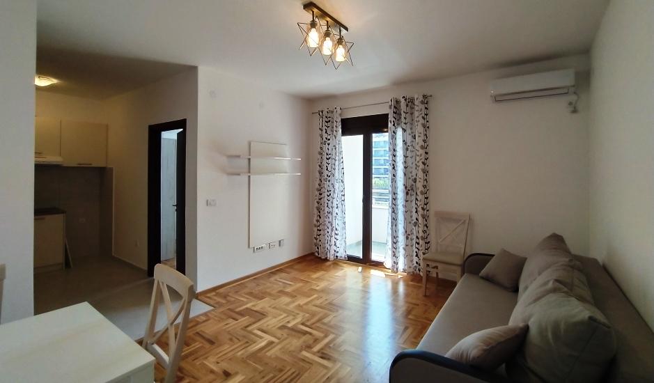 Квартира с мебелью в новом доме в Бечичи