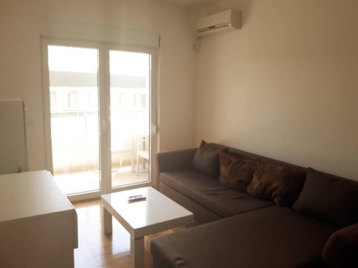 Меблированная квартира в Будве