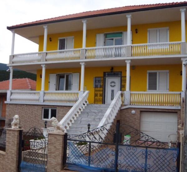 Дом вблизи пляжа Мириште