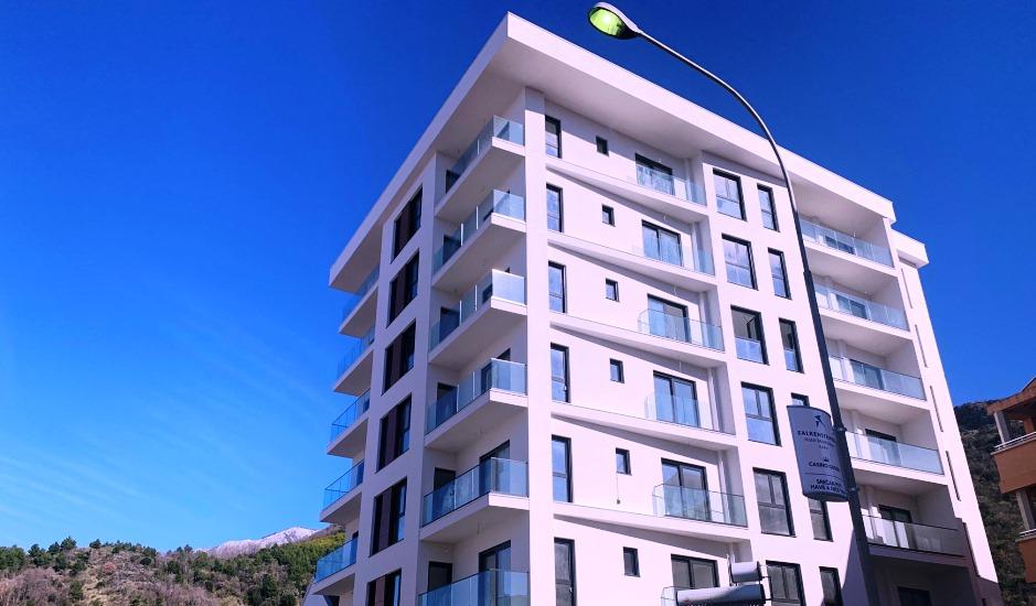 Просторная и светлая квартира в новом доме в Бечичи