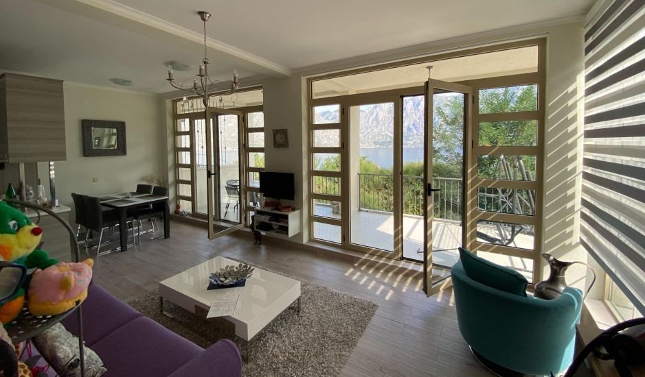Квартира с 2 спальнями и гаражом в Прчани