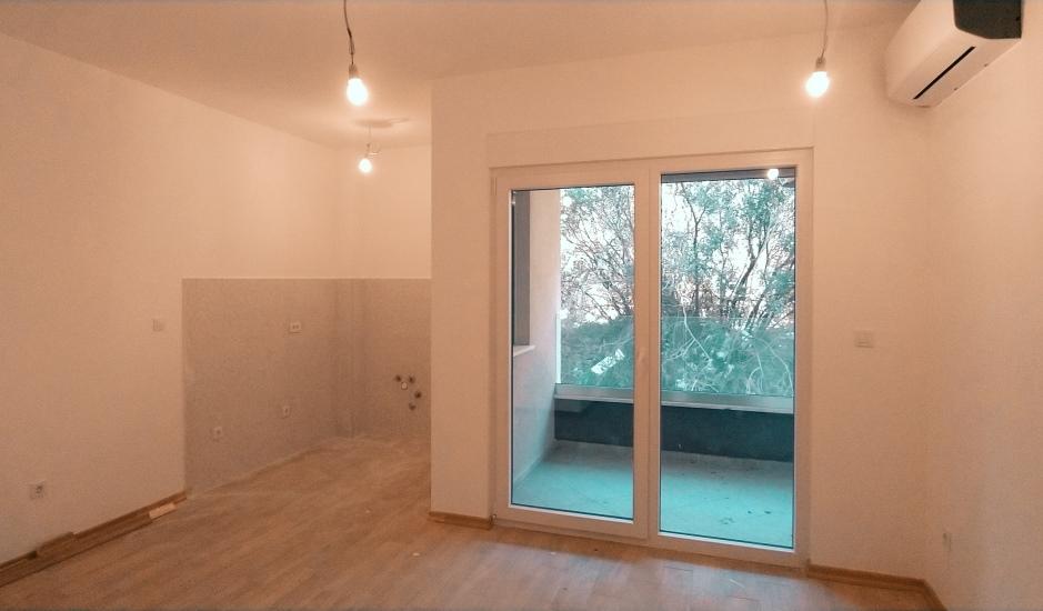 Квартира-студия в новом жилом комплексе в Будве